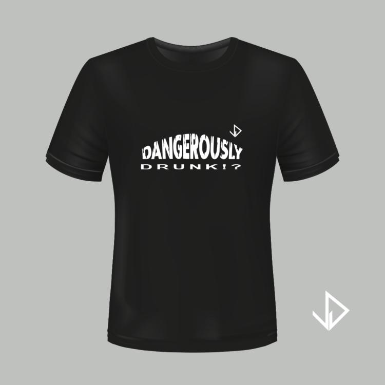T-shirt zwart opdruk wit Dangerously Drunk   Vinesdutch en BeU Marketing & PR